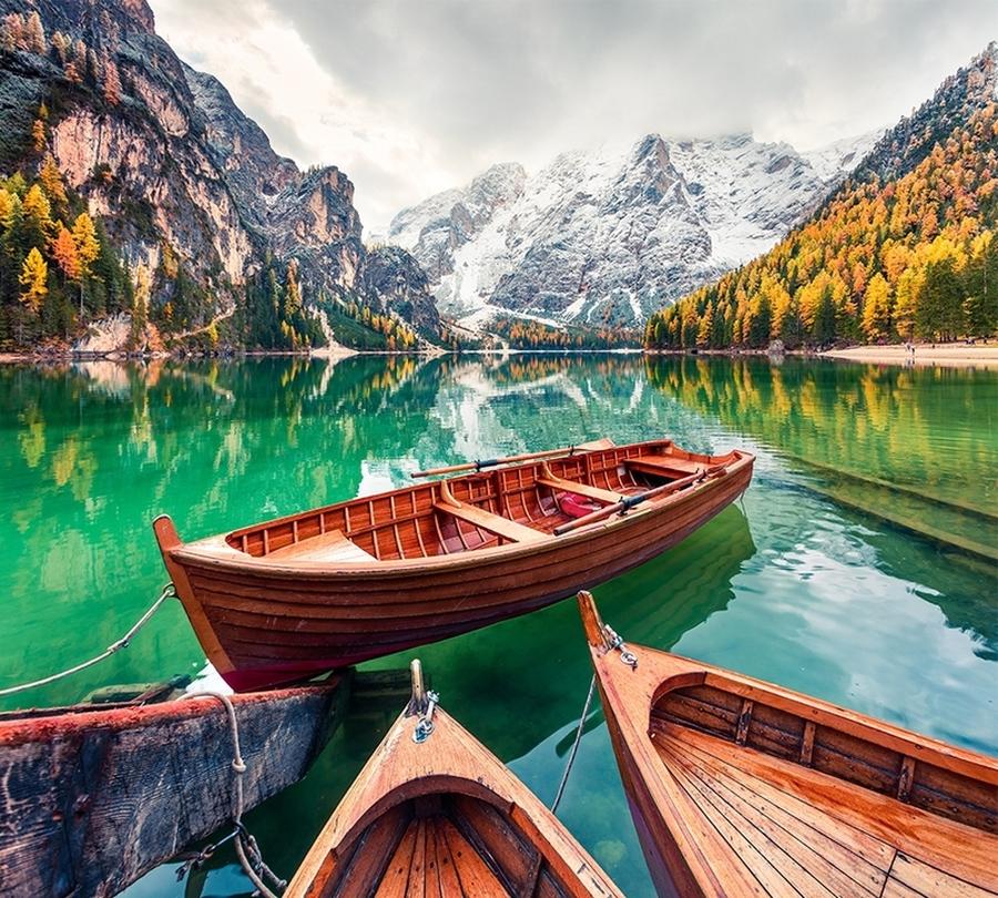 3D Фотообои Фотошторы «Лодочки на горном озере»
