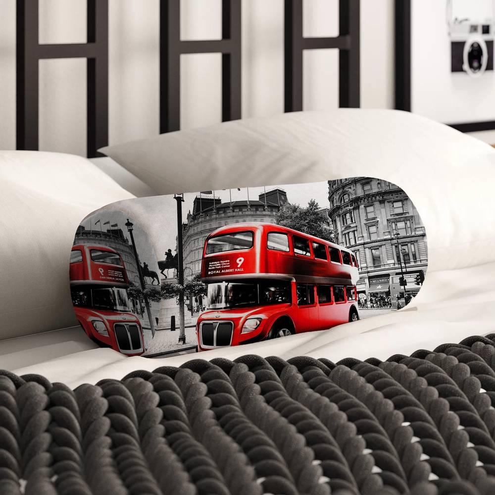 Тканевая подушка для дивана «Красный автобус» вид 2