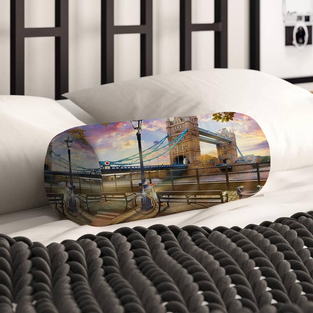 Интерьерная подушка валик «Набережная Темзы» вид 2