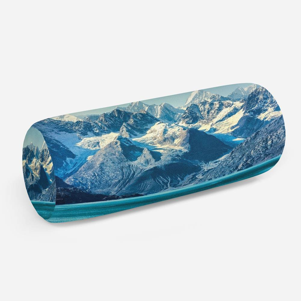 3D подушка-валик «Горы с заснеженными вершинами»