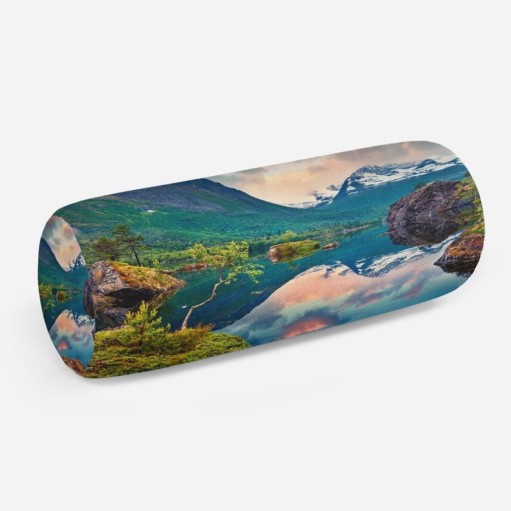3D подушка-валик «Скалистый берег»