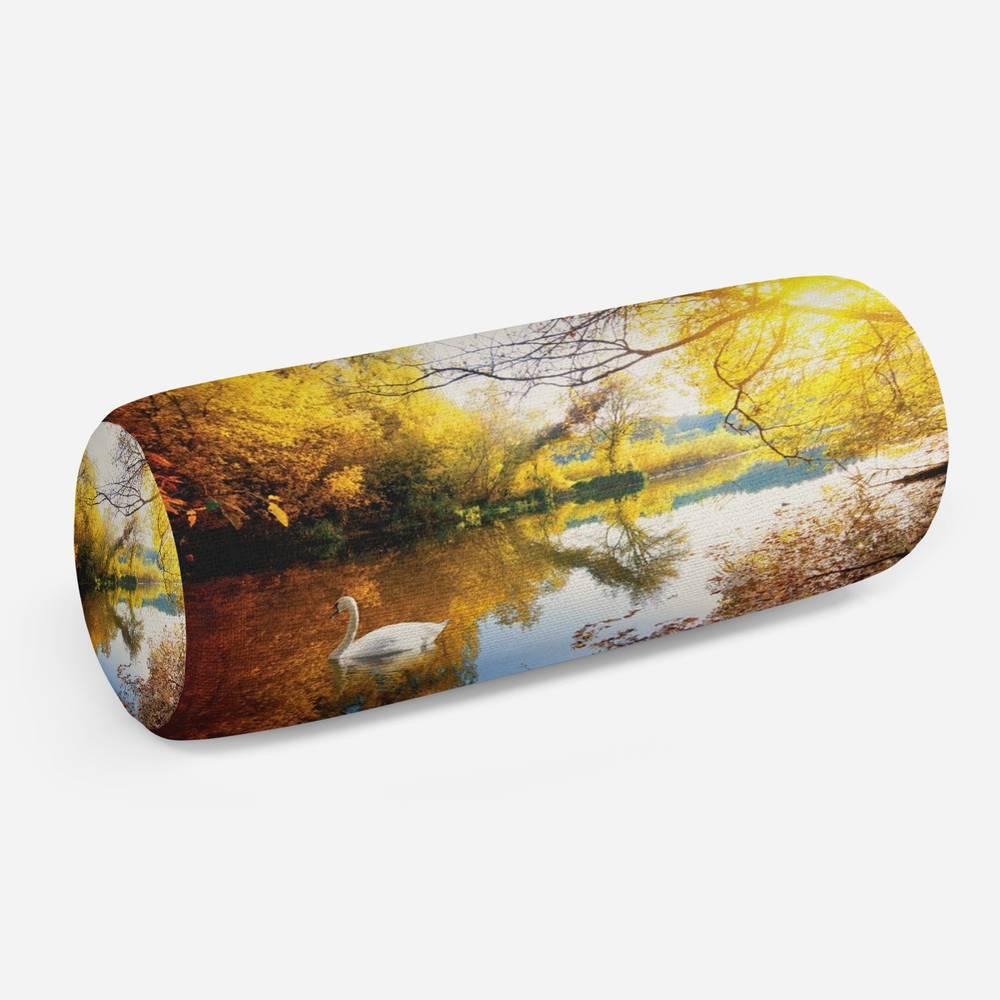 3D подушка-валик «Лебедь в осеннем озере»