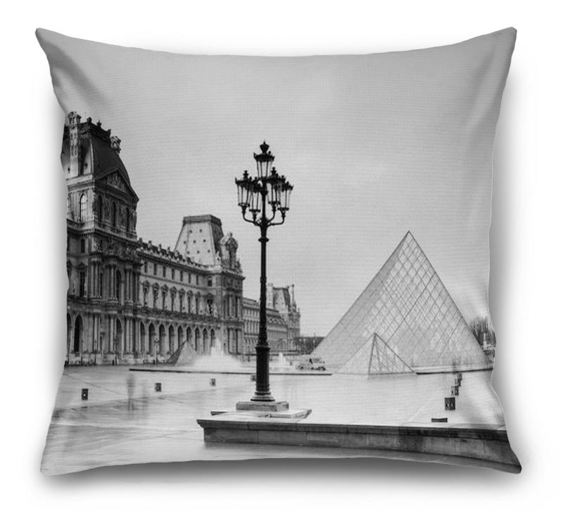 3D Подушка «Площадь у Лувра» вид 1