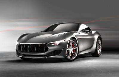 3D Ковер «Современный автомобиль в серых тонах»