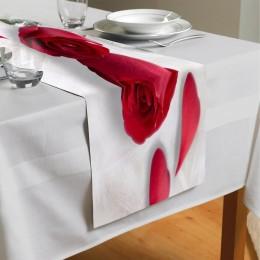 Сервировочная дорожка «Красные розы в перьях»