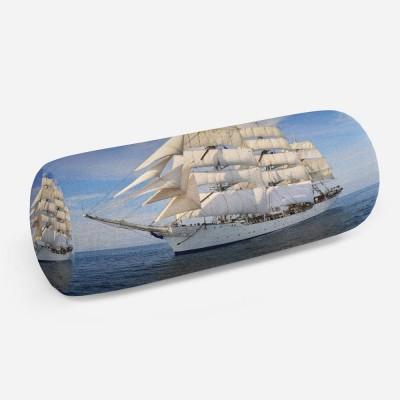 3D подушка-валик «Белый парусник»