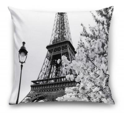 3D Подушка «Цветущие деревья в Париже»
