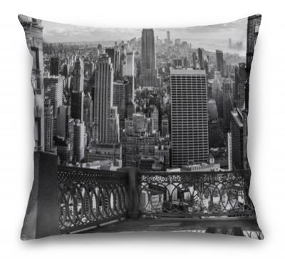 3D Подушка «Черно белый город в стиле нуар»