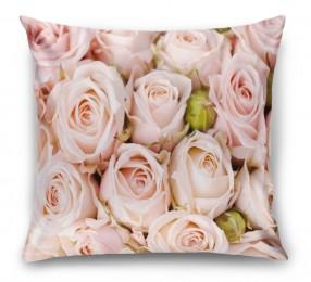 3D Подушка «Кремовые розы»