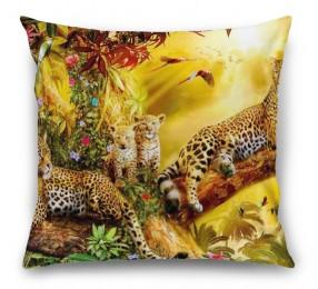 3D Подушка «Семья леопардов»