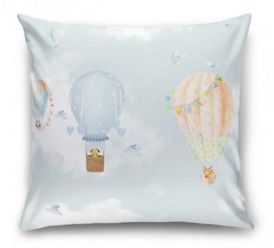 3D Подушка «Облачная даль с акварельными шарами»
