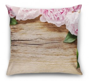 3D Подушка «Пионы на деревянном фоне»