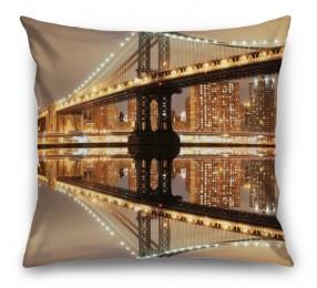 3D Подушка «Бруклинский мост: отражение в реке Гудзон»