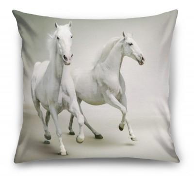 3D Подушка «Белые лошади на сером фоне»
