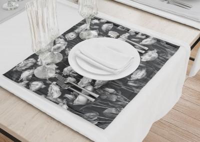 Сервировочные салфетки «Цветы на темной ткани»