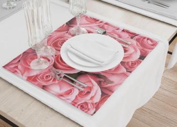Сервировочные салфетки «Обилие роз»