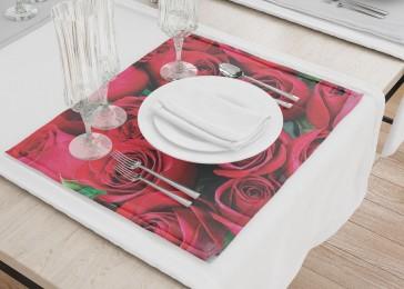 Сервировочные салфетки «Нежные бордовые розы»