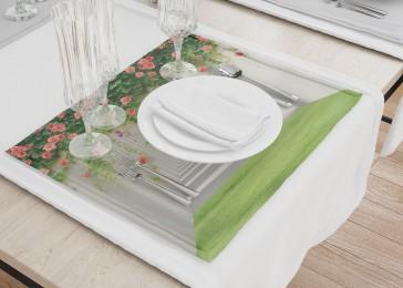 Сервировочные салфетки «Тоннель с лианами роз»