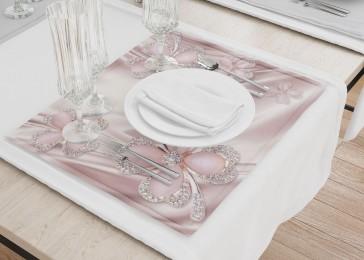 Сервировочные салфетки «Клевер с бриллиантами в нежно-розовых тонах»