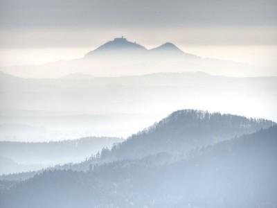 3D Фотообои «Горы в туманной пелене»