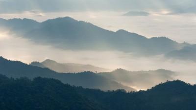 3D Фотообои «Туманный горный пейзаж»