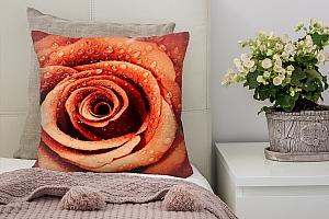 3D Подушка «Красная роза с каплями росы»
