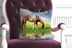 3D Подушка «Лошадь на лугу»  вид 5