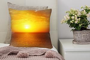 3D Подушка «Закат над водой»
