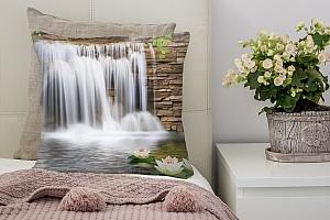 3D Подушка «Водопад с кувшинками»