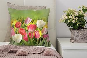 3D Подушка «Тюльпаны с каплями росы»