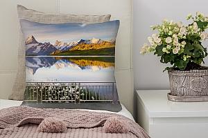 3D Подушка «Терраса перед горным озером»