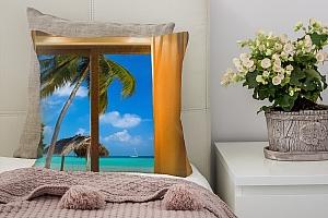 3D Подушка «Лазурный пляж с белой яхтой вдали»