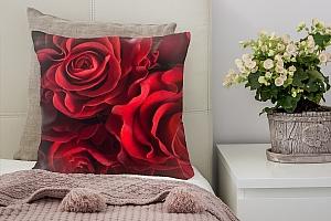 3D Подушка «Бордовые розы»