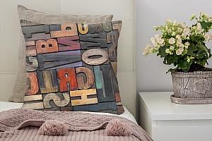 3D Подушка «Деревянные буквы в интерьере»