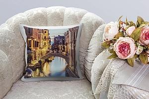 3D Подушка «Вечерний канал в Венеции»