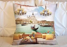 3D Подушка «Кафе с видом на венецианский канал»