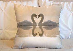 3D Подушка «Влюбленные лебеди» вид 6