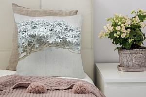 3D Подушка «Изящный бонсай»