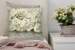 3D Подушка «Белые розы на стекле»