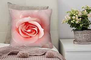 3D Подушка «Розовый бутон»